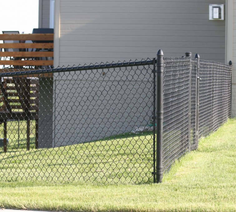 AFC Ames - Chain Link Fencing, 101 4' black vinyl chain link 2