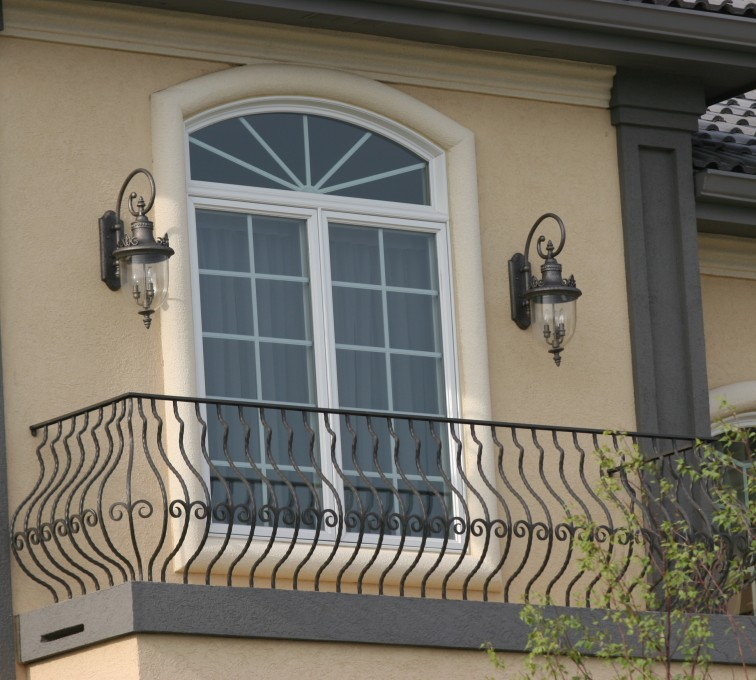 AFC Ames - Custom Railing, 2200 Balcony handrail with pot belly pickets