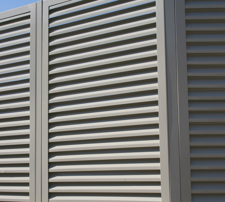 AFC Ames - Louvered Fence Systems Fencing, Louvered Fence Panel Angled Post Connection